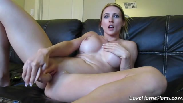 Sexy Babe Has Fun With Her Long Dildo On Cam
