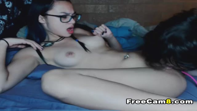 Asian GF Gets her Pussy Lick by European BF