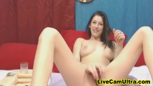 Watch This Teen Squirting Like Crazy!
