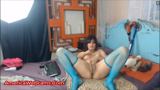 Squirting Milf Has Her Pussy Stuffed With Huge Toys