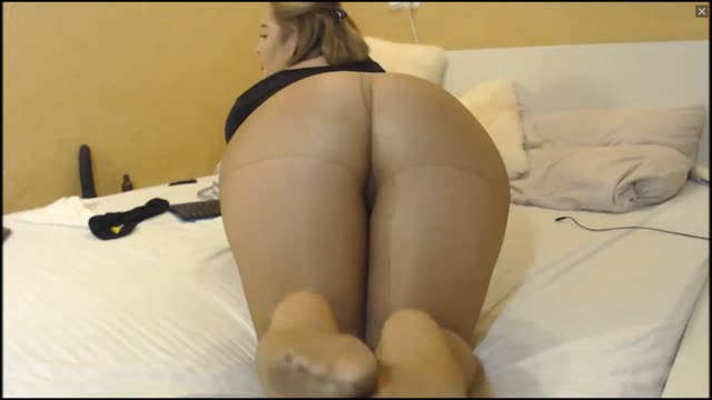 BBW Asian Milf In Pantyhose Teases And Masturbates
