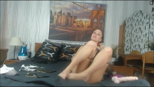 Schoolgirl Teen Fucks Pussy And Ass