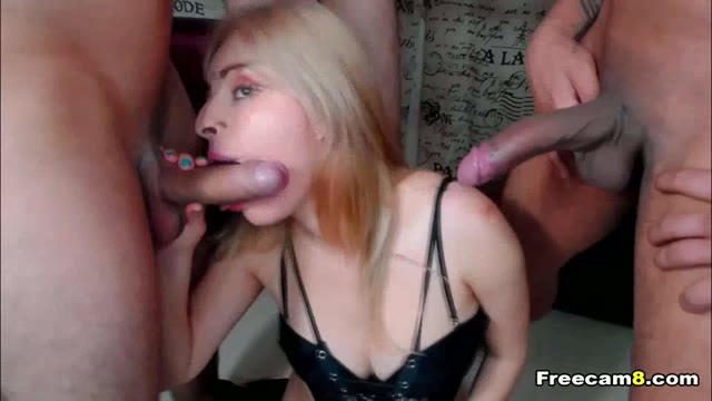 Horny Babe Loves Sucking Two Cocks
